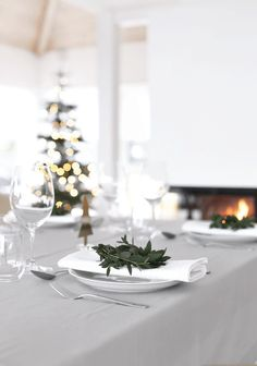 You can always rely on Norwegian blogger Nina Holst of Stylizimo  for beautiful interior inspiration. And when it comes to Christmas Eve it...
