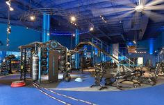 Ultimate Personal Training club with upscale gym design utilizing MoveStrong functional fitness products. Shown in the MoveStrong Nova FTS with extended monkey bar bridge and adjustable parallel bars Crossfit Academia, Dream Gym, Gym Lighting, Gym Interior, Interior Design, Mma Gym, Fitness Facilities, Home Gym Design, Gym Room