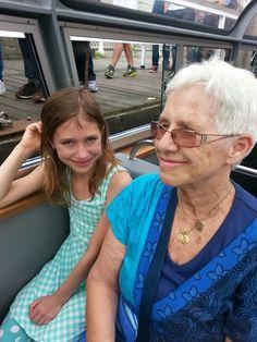 Oma met kleindochter