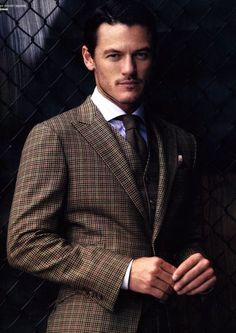 Like, why? Why is Luke Evans so handsome? And then he opens his mouth to speak and beautiful accent falls out.