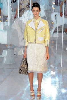 Louis Vuitton Spring 2012 | Paris Fashion Week