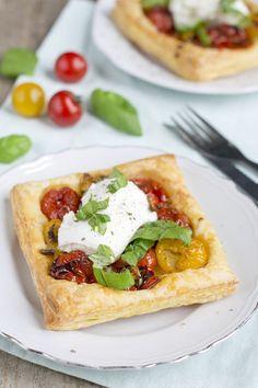 Crunchy Shrimp Tacos - V&V Supremo Foods, Inc. 15 Minute Meals, Quick Meals, Snack Recipes, Healthy Recipes, Snacks, Mozzarella, Tacos Dorados, Bruchetta Recipe, Queso Fresco