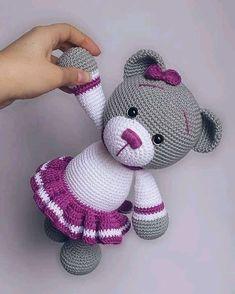 Brinquedos de crochê amigurumi crochet #top50 - YouTube Crochet Teddy Bear Pattern, Crochet Animal Patterns, Crochet Bear, Stuffed Animal Patterns, Crochet Patterns Amigurumi, Crochet Animals, Cat Amigurumi, Amigurumi Minta, Knitted Dolls