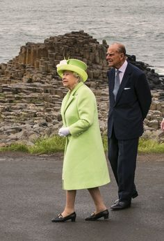 Britain's Queen Elizabeth II and Prince Philip, Duke of Edinburgh are shown Giant's causeway, a world heritage site near Bushmills in Northern Ireland during a two-day visit. Hms Queen Elizabeth, Elizabeth Philip, English Royal Family, British Royal Families, Her Majesty The Queen, Prince Phillip, Royal Life, Elisabeth, Queen Of England