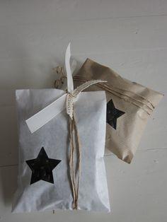 Gebroken wit papieren zakjes met een klein ster venster set van 20 compleet met cellofaan zakjes --- Voor je bruiloft of verjaardagsfeest