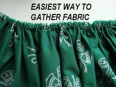 Gather And Ruffle Fabric Fast - Quick Method! Sewing Hacks, Sewing Tutorials, Sewing Crafts, Sewing Projects, Sewing Tips, Sewing Ideas, Sewing Clothes, Diy Clothes, Ruffle Fabric