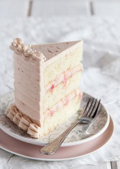 Layers of slightly spiced ginger cake smothered with a rhubarb buttercream frosting. Inside, silky cream cheese filling is rippled with poached rhubarb. The perfect cake to make when those coveted red stalks of rhubarb begin to arrive at the market! Just Desserts, Delicious Desserts, Dessert Recipes, Cupcakes, Cupcake Cakes, Shoe Cakes, Rhubarb Cake, Hazelnut Cake, Rhubarb Recipes