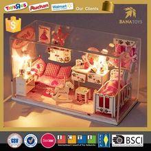 Güzel minyatür ahşap oyuncak bebek evi mobilya ile