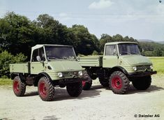 421 and 406 © Daimler AG - Motor Vehicles Mercedes Benz Unimog, Mercedes Benz Trucks, Van 4x4, M Benz, Daimler Ag, Jeep 4x4, 4x4 Trucks, Commercial Vehicle, Jeep Life