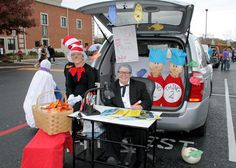 This site had some really cool Trunk or Treat ideas...maybe for next year!