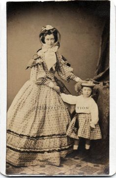 Vienna, early 1860s. Photo: Carl von Jagemann. Interesting how many dresses of this period had striking sleeve details.