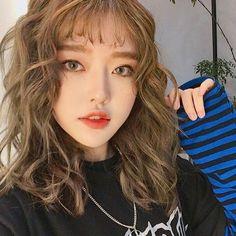 Hairstyles Drawing Cute Korean Layered Hair 2020 for Hairstyle Trendy.Hairstyles Drawing Cute Korean Layered Hair 2020 for Hairstyle Trendy Korean Hairstyles Women, Girl Hairstyles, Girl Haircuts, Trendy Hairstyles, Korean Beauty, Asian Beauty, Kimora Lee, Uzzlang Girl, Cute Korean Girl