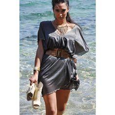 Ponczo- sukienka, w zależności od udrapowania. Możesz je nosić na top, koszulkę, z paskiem, jako sukienkę lub bez jako ponczo. Do zamówienia w butiku Łatka fashion.