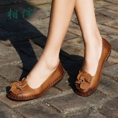 73.60$  Watch here - http://ali4tn.worldwells.pw/go.php?t=32700940104 - Handmade genuine leather women's shoes flat flower shoes soft and comfortable foot wrapping shallow mouth single shoes casual