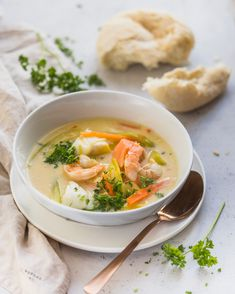 Waterzooi van vis • Cookameal Chili Recipes, Apple Recipes, Pumpkin Recipes, Fall Recipes, Soup Recipes, Backgrounds Wallpapers, Spice Things Up, Thai Red Curry, Baked Goods