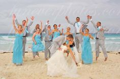 Destination wedding picture. Fun, active photo. Beautiful beach, cancun.