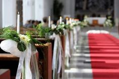 Add flowers to the aisle to give the bride and groom a gorgeous walkway. Via The Ultimate Wedding Flower Guide on FloristChronicles.com.