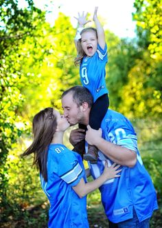 Detroit Lions - Restore the roar - One pride Defend the den - sports family pictures