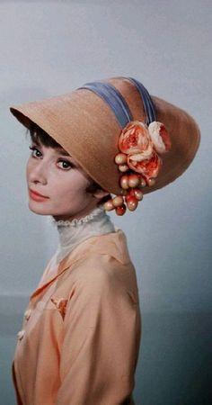 "Dans ""My Fair Lady"""