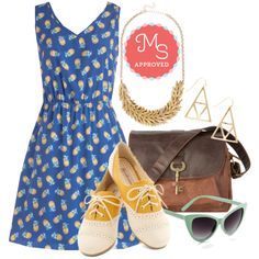 In this outfit: Perfect Pina Coladas Dress, Frond and On Necklace, Craft Talk Earrings, Keystone State Bag in Molasses, Sorbet Seeker Sunglassses, SkippingThrough the City Flat in Mustard #pineapple #funprints #flats #satchel