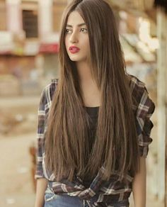 sajal alis beauty is poetic in this picture In Pics: Meet the beautiful Pakistani actress Sajal Ali who plays Sridevi's daughter in Mom Hair Lengthening, Sajal Ali, Pakistani Actress, Pakistani Models, Pakistani Dresses, Stylish Girl Images, Beauty Full Girl, Beautiful Actresses, Indian Beauty