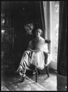 blueblackdream:Bassano, Anna Pavlova, whole-plate glass negative, 28 June 1920, © National Portrait Gallery, London