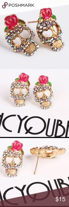 SPOOKY DEAL 2 X 1 ONLY TODAY ‼️ Cute skull earrings, super fashion and beautiful!  #fashion #sale Jewelry Earrings