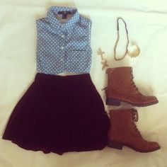 polka dot top & black circle skirt, brown booties Wear my shorts that look like a skirt and polka dot denim top. Cute Fashion, Teen Fashion, Womens Fashion, Winter Fashion, Soft Grunge, Mode Style, Style Me, Pretty Outfits, Cute Outfits
