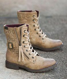 Roxy Tierra Boot. Cutest combat boot I've seen!