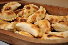 """Celebrarán el """"Día de la empanada salteña"""" – Cadena 365 – Salta – Argentina Garlic, Cheese, Chicken, Meat, Vegetables, Breakfast, Food, Meals, Salta"""