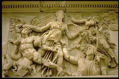 83. Altar de Zeus (Pérgamo) 1.