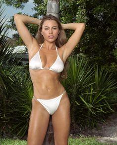 6e9b9a2cd0a6f Sofia Vergara Bikini Pictures Show Cameltoe