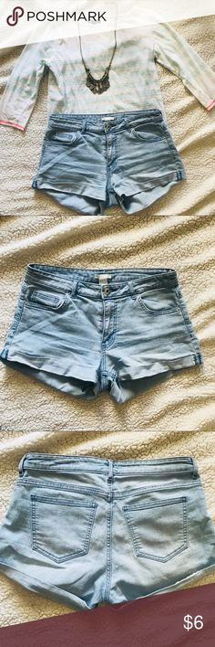 High Waisted Light Blue Shorts Stretch high waisted faded denim shorts. Slight faded stance on back underneath the pocket but extremely faint. For slightly on me. H&M Shorts Jean Shorts