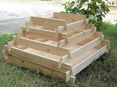 How To Make A Slot Together Pyramid Planter – DIY projects for everyone! Tiered Planter, Wooden Planters, Diy Planters, Planter Box Plans, Diy Planter Box, Planter Ideas, Cucumber Trellis, Strawberry Planters, Garden Planning