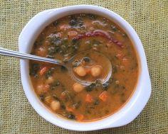 Vegana y mexicanísima: Crema de garbanzos y espinacas: Sabrosa y reconfortante sopa cremosa de garbanzos y espinacas.