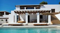 stairs, restaurant to pool (but need it to be more open and airy) Casa Octagonal, Ibiza, Porch And Terrace, New Mexico Homes, Greek House, Modern Mansion, Beach Shack, Spanish House, Stone Houses