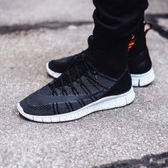 5553f0c556a7 Another Look At This New Colorway Of The Nike Free Flyknit Mercurial