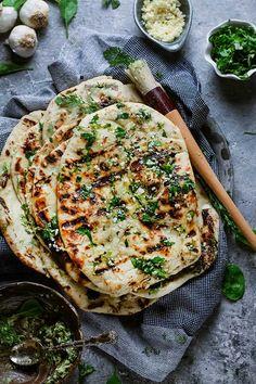 Vegetarian Breakfast Recipes, Healthy Dinner Recipes, Delicious Recipes, Greens Recipe, Dinner Dishes, Food Heaven, International Recipes, Kitchen Recipes, Food Styling