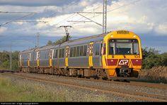 RailPictures.Net Photo: IMU 104 QR Passenger IMU 100 Class at Ipswich, Australia by 9Y91