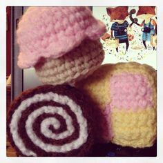 An afternoon of baking! (Joke. Crochet obviously) #cake #cupcake #baking #crochet #craft #crafts #cute #penelopeteapot #knitter #knitting