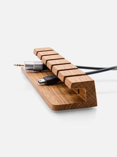 We craft unprecedented wood accessories for your home, office and Apple products.