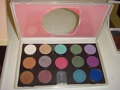 Reuse a DVD case to make a makeup palette
