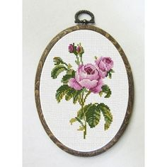 Roses, little pretties, I like the way they are finished. Cross Stitch Heart, Cute Cross Stitch, Cross Stitch Flowers, Modern Cross Stitch, Counted Cross Stitch Patterns, Basic Embroidery Stitches, Embroidery Hoop Art, Cross Stitch Embroidery, Cross Stitching