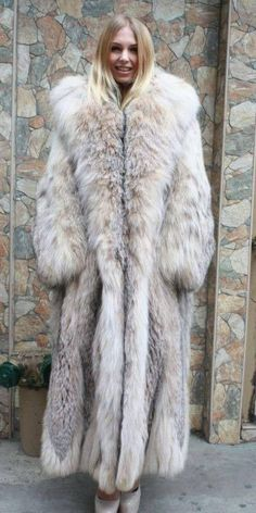 Lynx, Fox Fur Coat, Fur Coats, Fur Coat Fashion, Fur Accessories, Fabulous Furs, Angora Sweater, Fashion Gallery, Fur Jacket