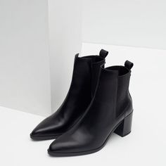 Image 5 of BLOCK HEEL LEATHER ANKLE BOOTS WITH STRETCH DETAIL from Zara