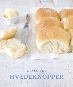 HVEDEKNOPPPER (wheat rolls), recipe in Danish from the byguldahl.dk blog