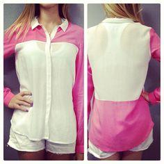 Camisa bicolor nas lojas e no site, meninas! Com modelagem comfort, ela tb está disponível em preto e branco - que continua superrr tendênci...