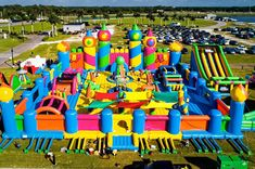 The highlight of the inflatable wonderland is The World's Biggest Bounce House. And that's not an assumption. The bounce house is Guinness certified as the world's biggest. Big Bounce House, Bouncy House, Bouncy Castle, Little Girl Toys, Toys For Girls, Australia Day, Pool Floats, Indoor Playground, Barbie