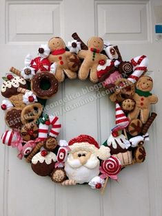 Awesome Christmas deco information are offered on our internet site. look at this and you wont be sorry you did. Felt Christmas Ornaments, Noel Christmas, Homemade Christmas, Christmas Projects, Holiday Crafts, Christmas Gadgets, Xmas Wreaths, Felt Decorations, Christmas Sewing