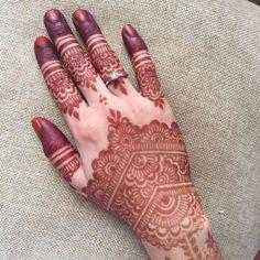 """367 Likes, 6 Comments - ES HENNA FIX (@eshennafix) on Instagram: """"Henna + bunny = my 2 fav things in one picture! _ #eshennafix #henna #bridal #sg #wedding…"""""""